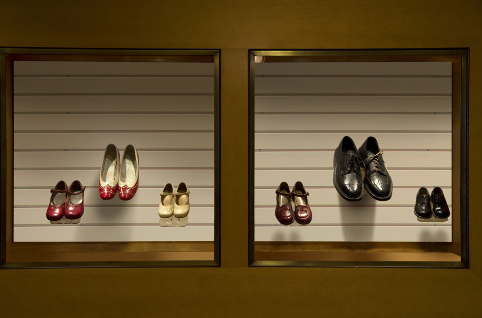 retail slatwall display panels for shoe store